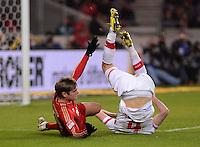 FUSSBALL   1. BUNDESLIGA  SAISON 2012/2013   19. Spieltag   VfB Stuttgart  - FC Bayern Muenchen      27.01.2013 Toni Kroos (li, FC Bayern Muenchen) wird von Georg Niedermeier (VfB Stuttgart) gefoult