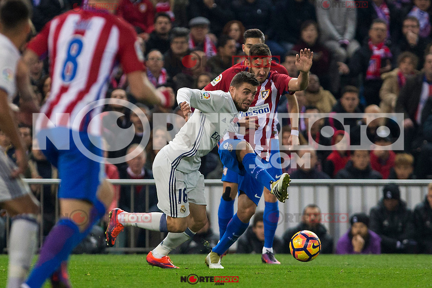 Real Madrid's Mateo Kovacic Atletico de Madrid's Koke Resurrecccion during the match of La Liga between Atletico de Madrid and Real Madrid at Vicente Calderon Stadium  in Madrid , Spain. November 19, 2016. (ALTERPHOTOS/Rodrigo Jimenez) /NORTEPHOTO.COM