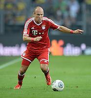FUSSBALL   1. BUNDESLIGA   SAISON 2013/2014   SUPERCUP Borussia Dortmund - FC Bayern Muenchen           27.07.2013 Arjen Robben (FC Bayern Muenchen) Einzelaktion am Ball