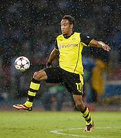 FUSSBALL   CHAMPIONS LEAGUE   SAISON 2013/2014   Vorrunde SSC Neapel - Borussia Dortmund      18.09.2013 Pierre-Emerick Aubameyang (Borussia Dortmund) am Ball