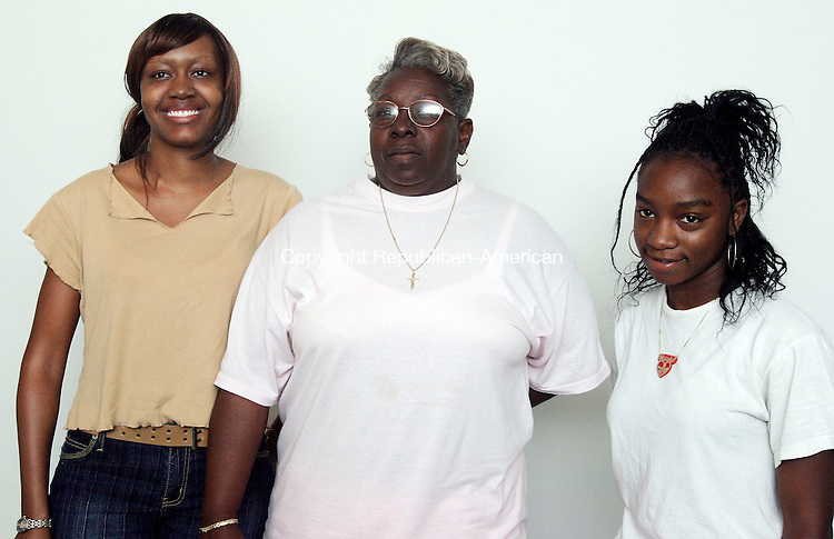 WATERBURY, CT-27July 2006-072706TK23- (left to right) Attending the  3rd Annual Youth Conference was Meka Flowers, Patricia Parker, Deaconess and Quaneisha Jackson. Tom Kabelka Republican-American (Meka Flowers, Patricia Parker, Quaneisha Jackson)