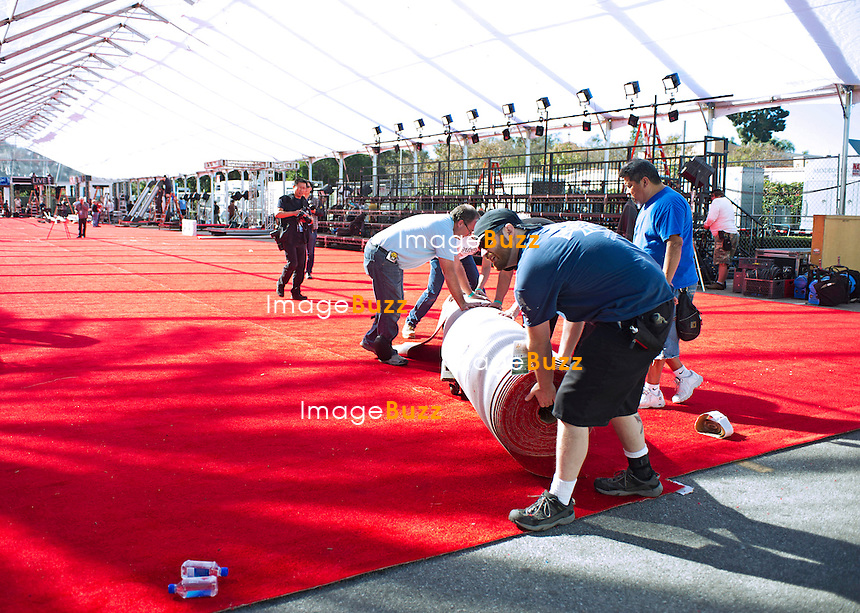 25.01.2015; Los Angeles, California: 21st SAG AWARDS<br /> Workers lay the final part of the 17,000 square feet of red carpet in the arrivals area of the 21st Screen Actors Guild Awards.