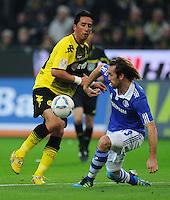 FUSSBALL   1. BUNDESLIGA   SAISON 2011/2012    14. SPIELTAG Borussia Dortmund - FC Schalke 04      26.11.2011 Lucas BARRIOS (li, Dortmund) gegen Christian FUCHS (re, Schalke)