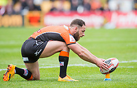 Picture by Allan McKenzie/SWpix.com - 13/05/2017 - Rugby League - Ladbrokes Challenge Cup - Castleford Tigers v St Helens - The Mend A Hose Jungle, Castleford, England - Luke Gale lines up a conversion.