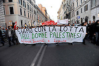 Roma 17 Gennaio 2009.Manifestazione Nazionale Contro il massacro a Gaza.The demonstration against Israel's military operations in the Gaza Strip .The banner reads: are with the struggle of Palestinian women.