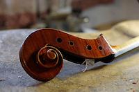 """Consorzio Liutai """"Antonio Stradivari"""". The Consortium of Violinmakers...."""