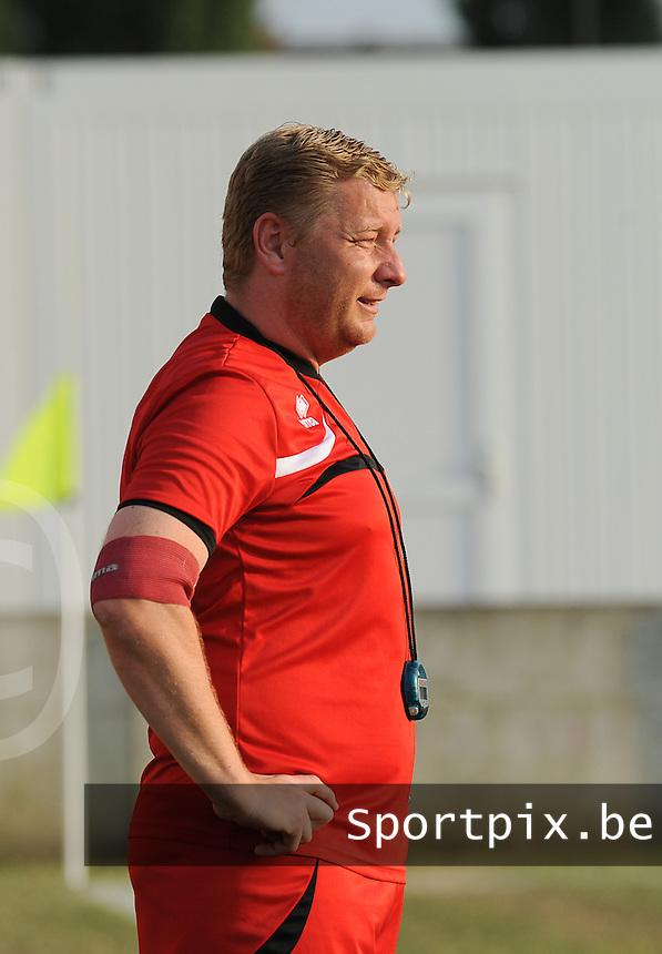 SV Oostkamp :<br /> trainer Dieter Lauwers<br /> foto VDB / BART VANDENBROUCKE