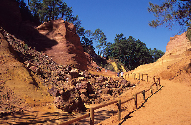Vaucluse, France. Les carrieres d'ocre du Roussillon *** France, Vaucluse.  The former ochre quarries of Roussillon in the Luberon..