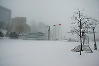 Jan 22, 2005 Toronto (Ontario) CANAD<br /> falling snow  in Toronto, Canada , Jan 22, 2005 <br /> <br /> Photo (c) 2005 P Roussel / Images Distribution