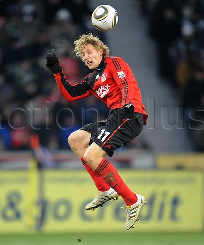 19 12 2009 Bundesliga football match, Bayer 04 Leverkusen v Borussia Moenchengladbach. Stefan KieBling, Bayer 04 Leverkusen heads ball.