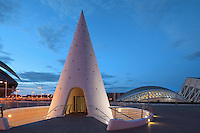City of Arts and Sciences, Valencia, Communitat Valenciana, Spain ; , it covers and area of approx 40,000 square meters and is 75 meters high ; 1998 - 2000 ; Santiago Calatrava (Valencia, Spain, 1951) Picture by Manuel Cohen