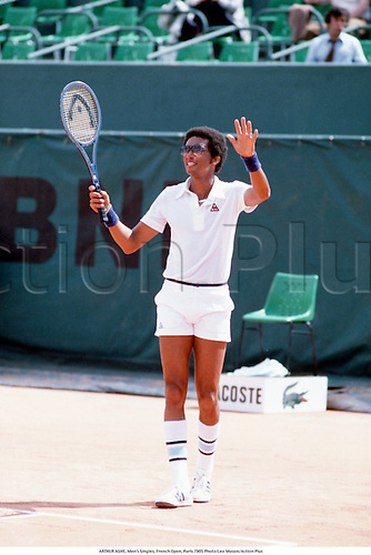 ARTHUR ASHE, Men's Singles, French Open, Paris 7905 Photo:Leo Mason/Action Plus...1979.Tennis.Lacoste.wave waves.man