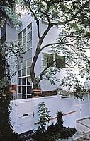 Raphael S. Soriano: Polito House, 1650 Queens Rd., Los Angeles 1939. Photo '82.