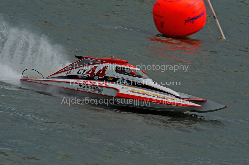 Joe Sovie, Y-44, (1.5 Litre Mod hydroplane)