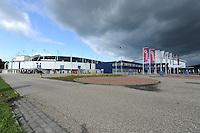 SCHAATSEN: HEERENVEEN: 2011, IJsstadion Thialf,  Vooraanzicht, ©foto Martin de Jong