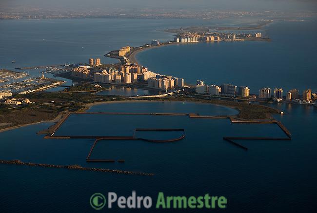 PUERTO MAYOR (FONDO) PUERTO MAESTRE (PRIMER PLANO). LA MANGA DEL MAR MENOR-MURCIA. 2008-04-05. (C) Pedro ARMESTRE