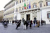 Roma 15 marzo 2013.Montecitorio Giornalisti in attesa davanti  alla Camera dei Deputati per l' inizio della XVII legislatura..