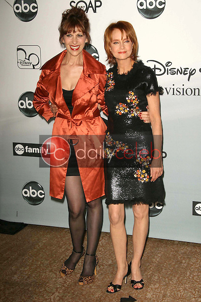 Ellen Greene and Swoosie Kurtz<br />at the 2007 ABC All Star Party. Beverly Hilton Hotel, Beverly Hills, CA. 07-26-07<br />Dave Edwards/DailyCeleb.com 818-249-4998