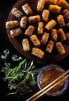"""Asie/Vietnam/Hanoi: Nems (patés impériaux) au restaurant """"Hoang Nam"""" de Mme Minh"""