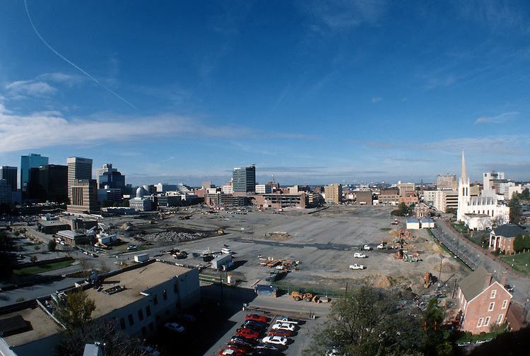 1996 November 07..Redevelopment..Macarthur Center.Downtown North (R-8)..LOOKING WEST FROM ROTUNDA BUILDING.SUPERWIDE...NEG#.NRHA#..