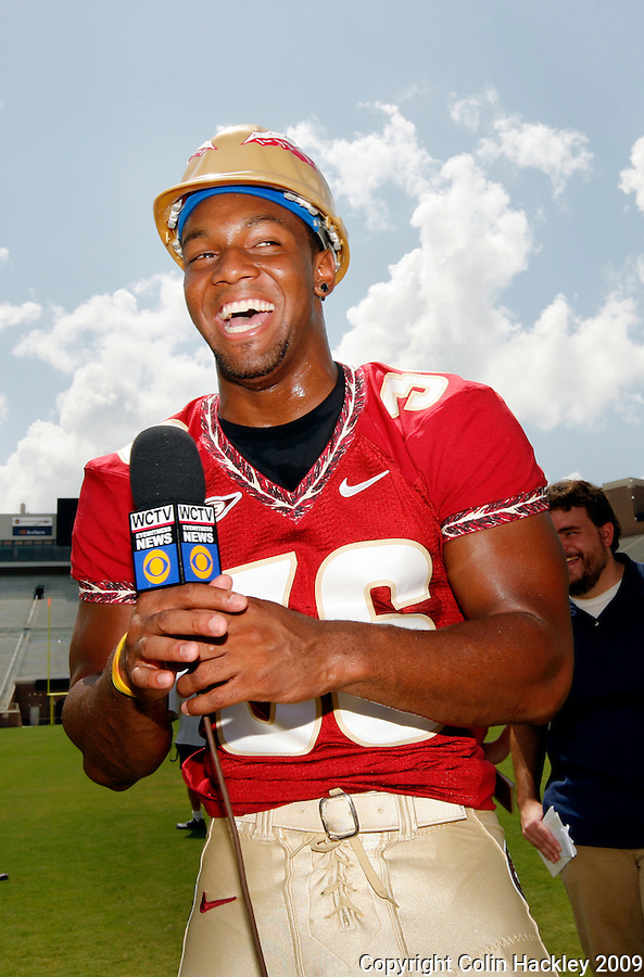 TALLAHASSEE, FL. 8/9/09-FSU-WATSON 0809 CH01-Florida State line backer Dekoda Watson jokes around during media day Sunday in Tallahassee...COLIN HACKLEY PHOTO