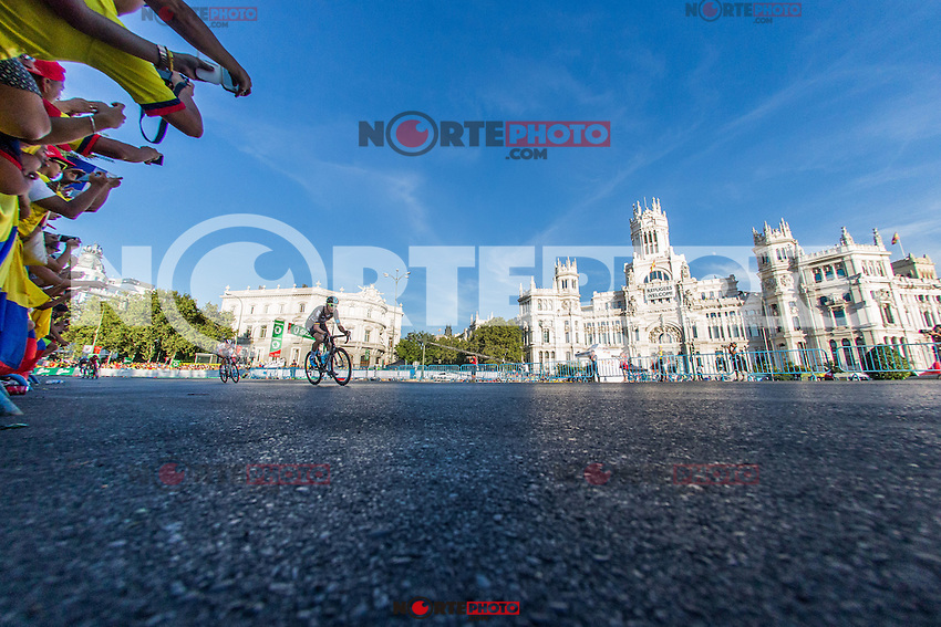 The platoon of La Vuelta across Cibeles square during the last stage or La Vuelta of Spain in Madrid. September 10, 2016. (ALTERPHOTOS/Rodrigo Jimenez) NORTEPHOTO.COM