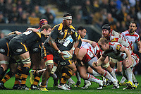 Nathan Hughes of Wasps looks to pass the ball. Aviva Premiership match, between Wasps and Gloucester Rugby on November 8, 2015 at the Ricoh Arena in Coventry, England. Photo by: Patrick Khachfe / Onside Images