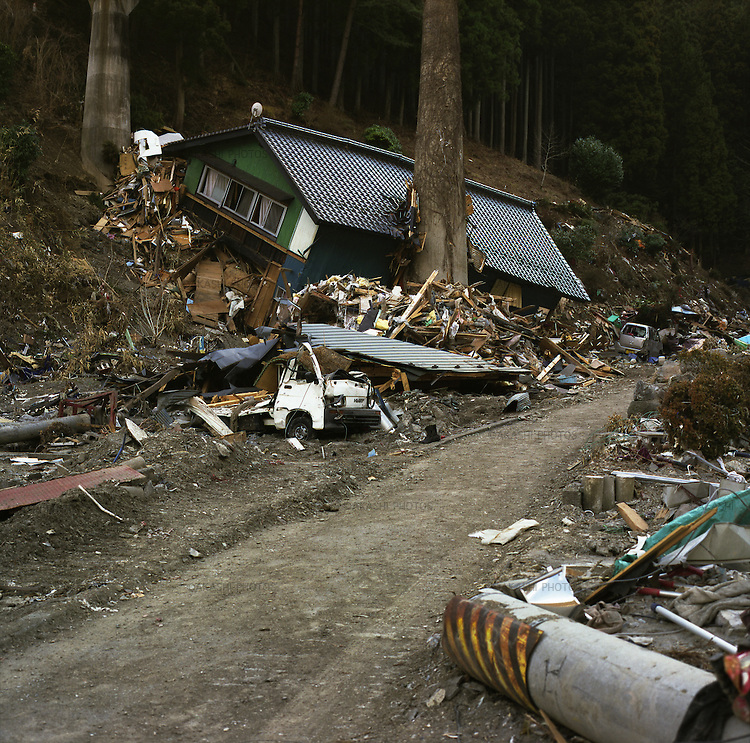 On May 11, 2011, earthquake of magnitude 9.0 and devastating tsunami hit the Tohoku area, killing more than 15,000 people and missing more than 5,000 people.<br /> Houses, cars, telephone pole were destroyed by tsunami in Unosumai district in Kamaishi, Iwate.