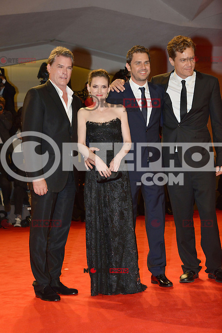 VENICE, ITALY - AUGUST 30: Actors Ray Liotta, Winona Ryder, Ariel Vromen and Michael Shannon attend 'The Iceman' Premiere during the 69th Venice International Film Festival at Palazzo del Casino on August 30, 2012 in Venice, Italy AFG / Mediapunchinc