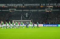 FUSSBALL   1. BUNDESLIGA    SAISON 2012/2013    17. Spieltag   SV Werder Bremen - 1. FC Nuernberg                     16.12.2012 Bremer Fans praesentieren ein Banner mit der Aufschrift  FANKULTUR GESTORBEN AM 12.12.12 waehrend die Mannschaften auf das Spielfeld auflaufen