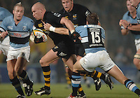 2005/06 Powergen Cup, London Wasps vs Cardiff Blues, Wasps Jonny O'Conner breaks through as Wasps set up a first half attack.  Causeway Stadium, Wycome, ENGLAND, 07.10.2005   © Peter Spurrier/Intersport Images - email images@intersport-images..   [Mandatory Credit, Peter Spurier/ Intersport Images].