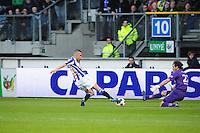 VOETBAL: HEERENVEEN: Abe Lenstra Stadion, SC Heerenveen - Vitesse, 21-01-2012, Oussama Assaidi (#22), Piet Velthuizen (#22), Eindstand 1-1, ©foto Martin de Jong