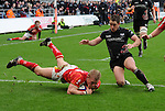 Shane Williams chases Jake Abbott. Ospreys V Worcester Warriors, EDF Energy Cup  © Ian Cook IJC Photography iancook@ijcphotography.co.uk www.ijcphotography.co.uk