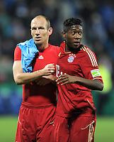 Fussball DFB Pokal:  Saison   2011/2012  Achtelfinale  20.12.2011 VfL Bochum - FC Bayern Muenchen  Arjen Robben, David Alaba (v. li., FC Bayern Muenchen)