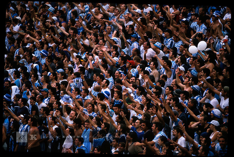 Racing Club soccer fans.