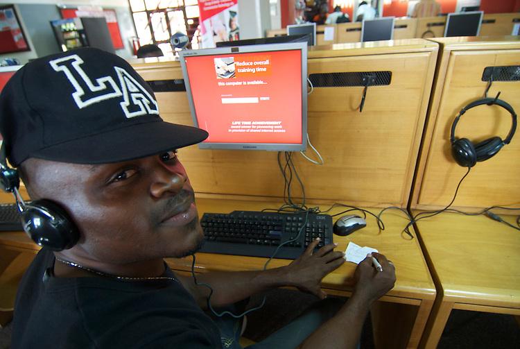 Customer, Busy Internet