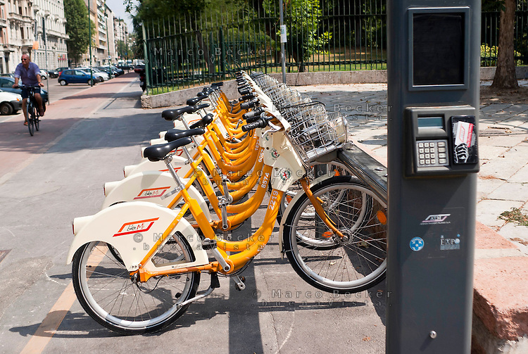 Bike sharing a milano marco becker photographer for Mobile milano bike sharing