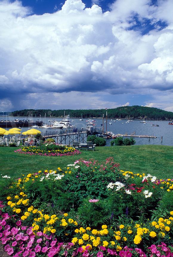 ME, Bar Harbor, Maine, Mount Desert Island, Scenic view of Frenchman Bay from Bar Harbor Inn in Bar Harbor on the Atlantic Ocean.