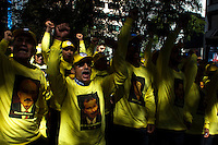 Iranian men shout slogans against government while they take part in a protest against U.N. near their headquarters in New York,  Sept 24, 2013, Photo by Stringer / VIEWpress.