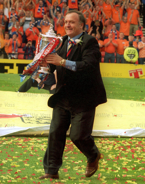 Dick Advocaat with the Scottish Cup May 2000
