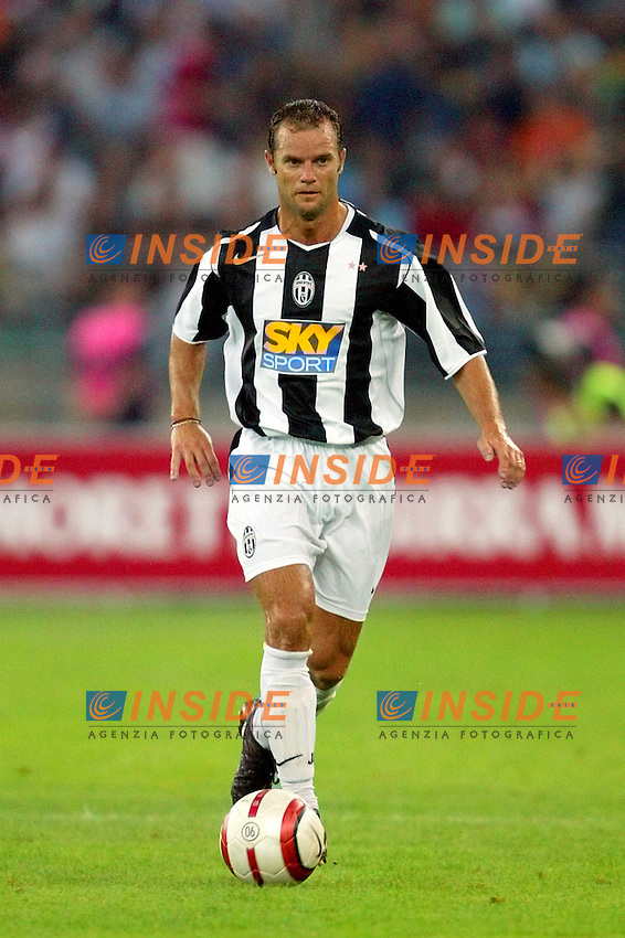 Bari 3/8/2004 Trofeo Birra Moretti - Juventus Inter Palermo. <br /> Gianluca Pessotto Juventus <br /> Risultati / results (gare da 45 min. each game 45 min.) <br /> Juventus - Inter 1-0 Palermo - Inter 2-1 Juventus b. Palermo dopo/after shoot out <br /> Photo Andrea Staccioli