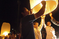 """A memorial service for the victims who died in the Tsunami Disaster was held today in Phuket, Thailand. Lanterns """"released the spirit"""" to close the ceremony.  January 5, 2005. (James J. Lee for USA Today)"""