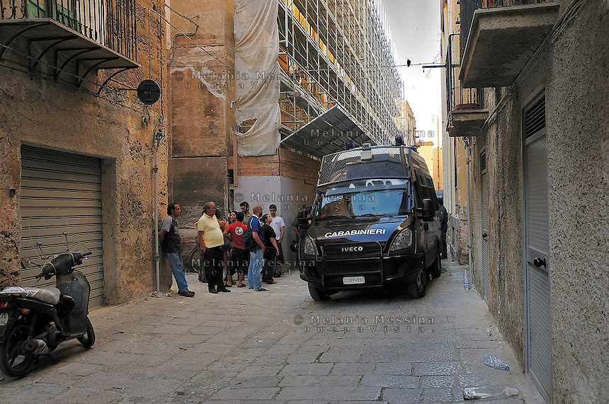 Palermo, sgomberi delle famiglie senza tetto.<br /> Palermo, eviction of homeless families
