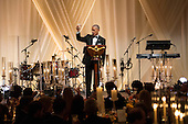 US President Barack Obama offers a toast to Italian Prime Minister Matteo Renzi during a state dinner on the South Lawn of the White House in Washington DC, USA, 18 October 2016. President Obama hosts his final state dinner, featuring celebrity chef Mario Batali and singer Gwen Stefani performing after dinner. <br /> Credit: Michael Reynolds / Pool via CNP