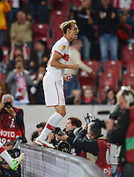 FUSSBALL   EUROPA LEAGUE   SAISON 2012/2013   20.09.2012 VfB Stuttgart - FC Steaua Bukarest JUBEL VfB Stuttgart; Torschuetze zum 2-2 Ausgleich Georg Niedermeier feiert sein Tor auf der Werbebande