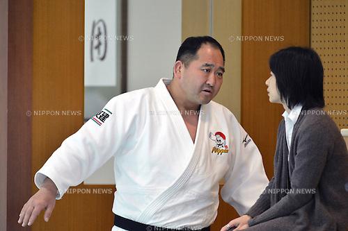 (L to R)  Hitoshi Saito (JPN), Kaori Yamaguchi ,.MARCH 27, 2013 - Judo : Japan women's team training session at Ajinomoto National training center, Tokyo, Japan. (Photo by Jun Tsukida/AFLO SPORT).