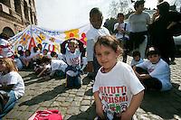 Roma 21  Marzo 2012. Catena umana organizzata a Roma dall'Unar (Ufficio Nazionale Antidiscriminazioni Razziali), in occasione della Giornata mondiale contro il razzismo..