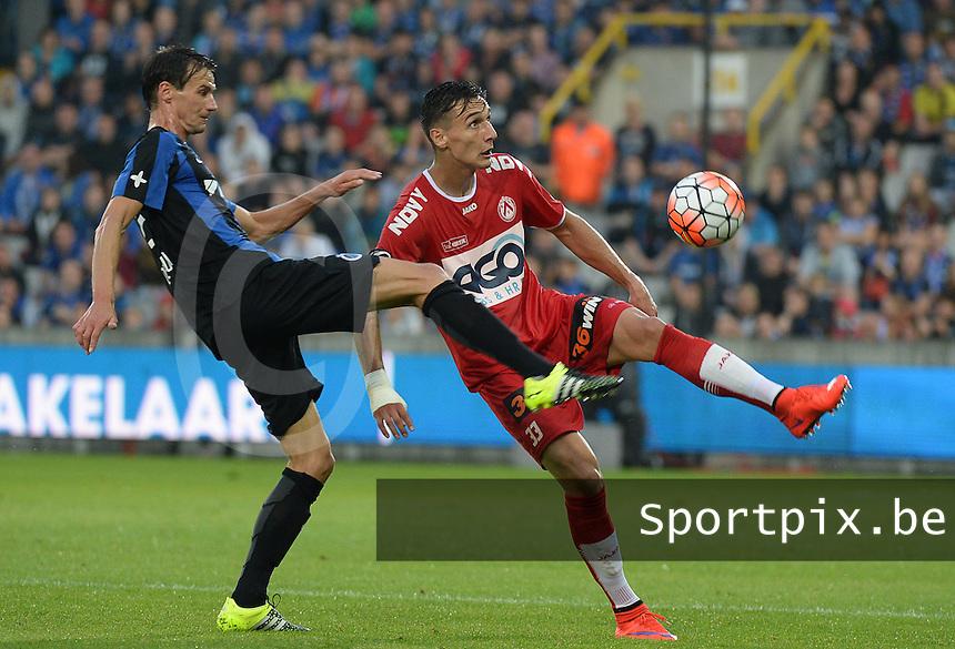 Club Brugge - KV Kortrijk : Zarko Tomasevic (r) en Davy De Fauw (l) <br /> Foto VDB / Bart Vandenbroucke