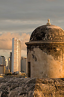 Colonial city walls, Bulwark of Santo Domingo, Cartagena de Indias, Bolivar Department,, Colombia, South America.