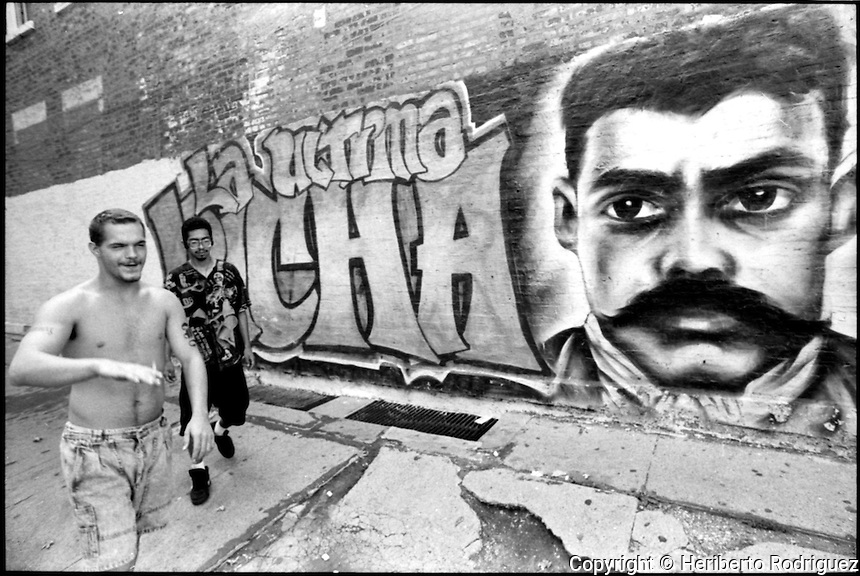 Mexicans living in chicago heribertorodriguez for Emiliano zapata mural